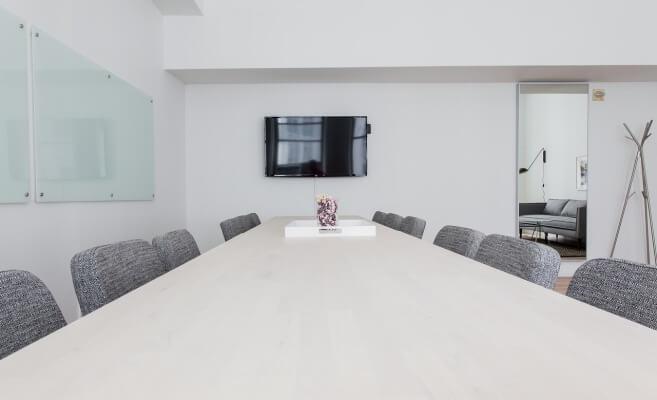 Održavanje nameštaja u kancelariji – saveti i trikovi prema vrsti materijala