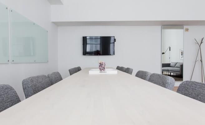 konferencijski sto
