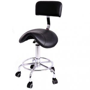 Crna pomoćna stolica.
