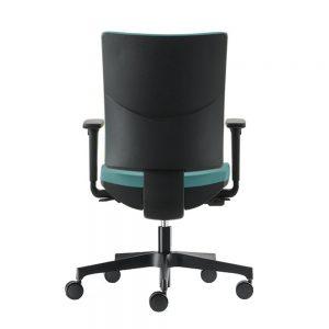 Modrulj radna stolica u plavoj boji.