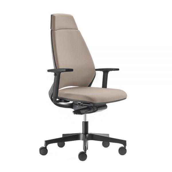 Modrulj radna stolica u krem boji.