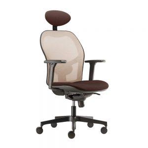Radna stolica braon boje sa naslonom za glavu.