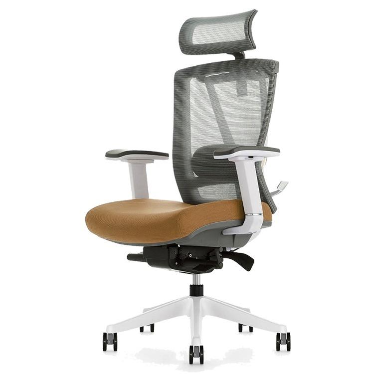 Kancelarijska stolica sa braon detaljima